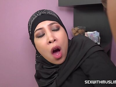 Hot muslim babe gets fucked immutable